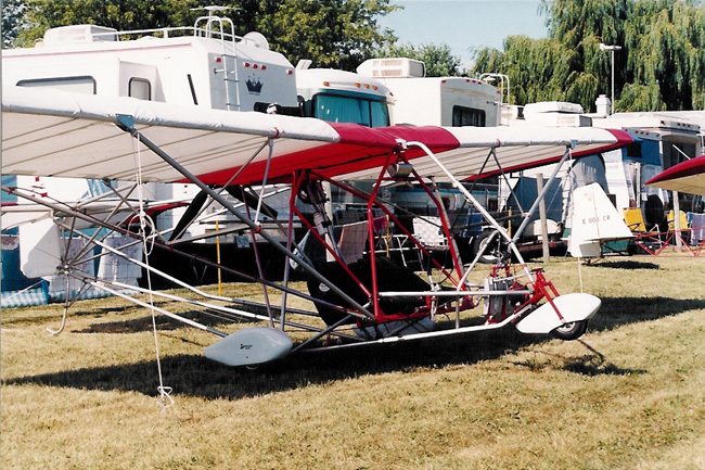 Two Place Ultralight Aircraft http://www.ultralightnews.com/airv98/airventure_phoenix.htm